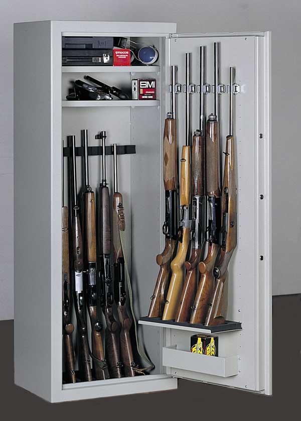 armadio per fucili da caccia