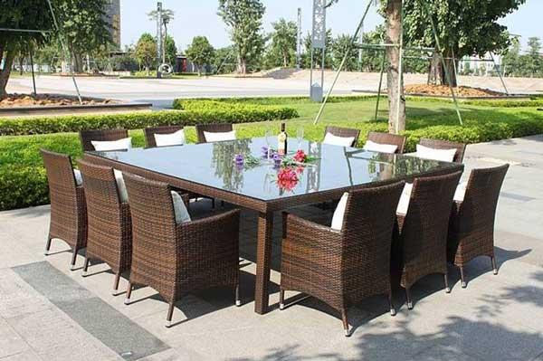 Sedie E Tavoli Da Giardino In Vimini.Tavoli E Sedie Da Giardino Modelli Materiali E Prezzi Il
